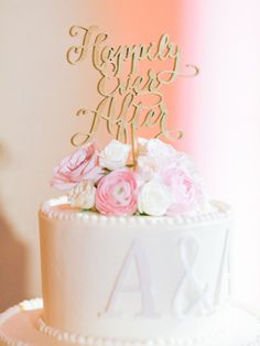 Ballroom cake perfection: http://www.stylemepretty.com/2015/05/11/formal-pink-gold-ballroom-wedding/ | Photography: Honey Honey - http://www.hoooney.com/