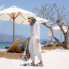 Beach hijab outfit by dhaturembulan ootd hijab, hijab dress, dress hats, hi Beach Outfit Plus Size, Cold Beach Outfit, Beach Outfits Women Plus Size, Casual Beach Outfit, Beach Ootd, Hijab Casual, Hijab Outfit, Hijab Chic, Men Casual