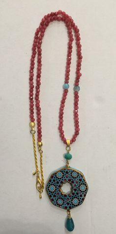 Takı çinileri Ceramic Jewelry, Jewelry Crafts, Jewelery, Turkey, Beaded Necklace, Diy Crafts, Fancy, Ceramics, Ornaments