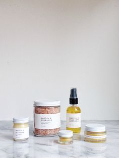 Marble & Milkweed | late winter essentials on sale! Organic Skin Care, Natural Skin Care, Beauty Photography, Product Photography, Non Toxic Makeup, Winter Essentials, Beauty Packaging, Anti Aging Cream, Diy Skin Care
