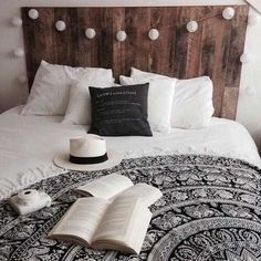 This bed looks so chill. The bedcover adds life to the simplistic tone of the bedroom.
