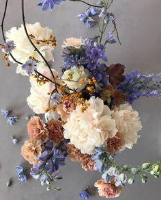 color pallet for your wedding floral design! My Flower, Beautiful Flowers, Flower Art, Floral Wedding, Wedding Flowers, Bouquet Flowers, Bouquet Wedding, Fall Wedding, Illustration Blume