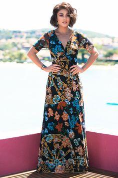 """Juliana Paes fala das suas novas madeixas: """"estou gostando de ficar com meu cabelo natural"""""""