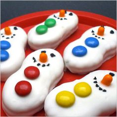 Cheeseball Snowman | These snowman cookies from My Pretty Purse come together in a snap ...