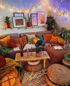 Living Room Orange, New Living Room, Living Room Decor, Living Spaces, Home Bedroom, Bedroom Decor, Deco Boheme, Aesthetic Rooms, Cozy House