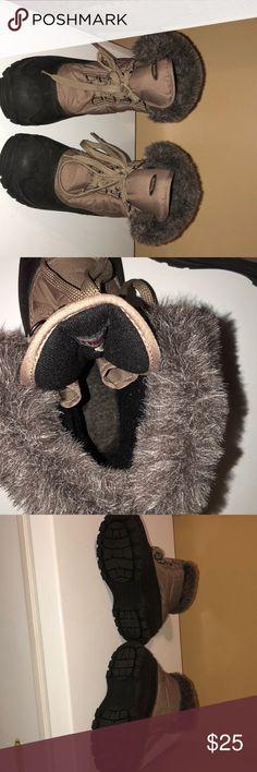 Women's warm boots Excellent condition size 9 Northside Shoes Winter & Rain Boots
