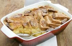 Bread and butter pudding is the perfect way to use up leftover, stale bread. Bread and butter pudding is a British pudding made by layering slices of buttered bread. Wine Recipes, Food Network Recipes, British Pudding, Bread And Butter Pudding, Large Oven, Stale Bread, Slice Of Bread, Pudding Recipes, Food Hacks