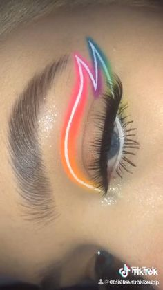 Eye Makeup Designs, Eye Makeup Art, Bold Eye Makeup, Makeup Drawing, Cut Crease Makeup, Makeup Eyes, Eyeshadow Makeup, Beauty Makeup, Maquillage On Fleek