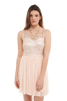 Love the color of this pretty dress