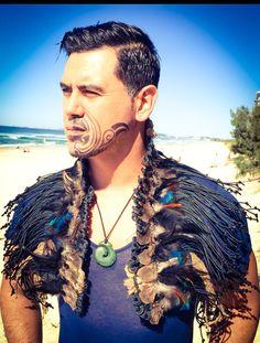 Collar Korowai Flax Weaving, Weaving Art, Hand Weaving, Maori Patterns, Maori People, Maori Designs, Maori Art, Kiwiana, Cloaks