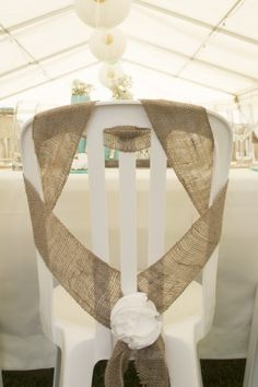 Hello everyone, Theme wedding chic country (but super budget mini) the HIC rental chairs plastic chair The chairs that are affordable are not very pre. Wedding Chair Sashes, Wedding Chairs, Plastic Chair Covers, Tiffany Chair, Burlap Chair, Plastic Tables, Diy Wedding Decorations, Chic Wedding, Location