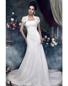 Fit-and-flare Strapless Court Train Vintage Lace Wedding Dress with Jacket   LynnBridal.com