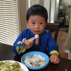 First thing Wesley learned after grandparents came is to use chopsticks. He's making great progress! He finished his dinner using just chopsticks. He probably had more than ten fish cubes. #chinesefood #chopsticks #usingchopstick #learningchopsticks #mastering #masteringusingchopsticks #eggplantwithfish #cabbage #beefribs #rice #jasminerice #dinnerwithfamily