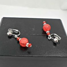 Earrings-handmade-clip-or-pierced-red-Lucite-crackle-bead-with-crystals-Pat2