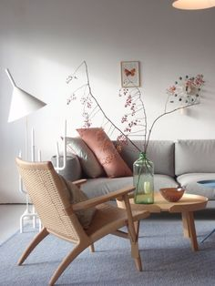 Showing how a few subtle colours added to a contemporary neutral scheme can look sophisticated and full of joie de vivre.