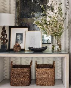 design trends for Fall, neutral decor Design Entrée, House Design, Design Trends, Design Ideas, Shelf Design, Store Design, Chair Design, Interior Styling, Interior Decorating