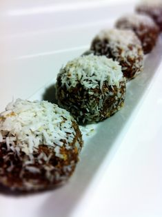 DAMY Health Protein Power Balls (Plus Build Your Own Guide) | Amy Layne Paradigm Blog