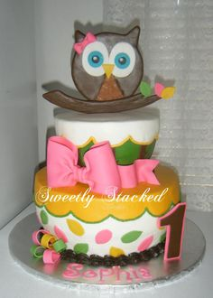 - Owl first birthday cake.