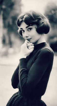 3e4ac1c5b Audrey Hepburn photographed by Sam Shaw, Paris, France, 1957 Audrey Hepburn  Eyebrows,