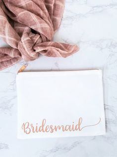 Bridesmaid Makeup Bag, Bridesmaid Gift, Bridal Shower Gift, Makeup Bag, Bridesmaid Gifts, Personalized Makeup Bag, Rose Gold, Bride Bag Gift Bridesmaid Makeup Bag, Bridesmaid Proposal Gifts, Bridesmaids, Make Up, Place Card Holders, Rose Gold, Trending Outfits, Unique Jewelry, Handmade Gifts