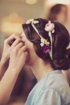 bridal hair with fresh flowers @weddingchicks
