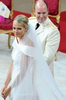 Im Jahr 2012 ist Mustern Brautkleider der Topseller. Mit dem Brautkleid mit modischem elegantem Design und der besten Qualität wird Ihre Hochzeit romantisch sein. Im Jahr 2012 ist Mustern Brautkleider preisgünstig.