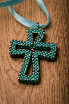 Cross pendant, cubic raw of seed beads