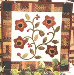"Appliqued Vine & Flowers w/ strip border  16"" square. Border great for any small quilt."