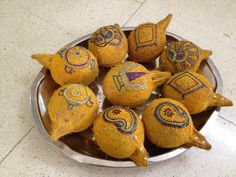 Decorated coconut thambulam