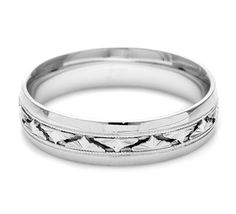 This Men's Band showcases Tacori's signature three-dimensional flattened geometric design details. The width of the band is approximately 5.5 mm.