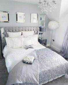 White and Silver Bedroom Ideas Silver And Grey Bedroom, Silver Bedroom Decor, Grey Bedroom Design, White Room Decor, Bedroom Decor For Teen Girls, Bedroom Ideas For Women In Their 20s, Apartment Bedroom Decor, Room Ideas Bedroom, Bed Room