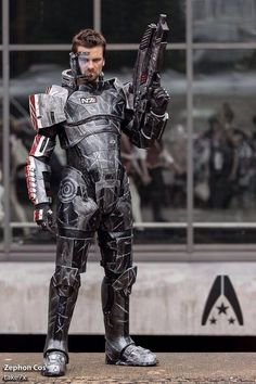 Sweet Mass Effect cosplay