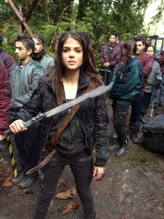 Watch the show or she'll find you || Octavia Blake (Marie Avgeropoulos) || The 100 cast behind the scenes