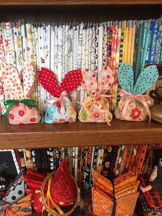 Drawstring Bag Pattern, Candy Bags, Bunnies, Holiday Decor, Home Decor, Decoration Home, Room Decor, Home Interior Design, Rabbit
