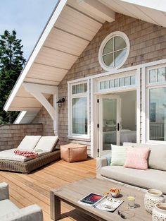 Cool 50 Beautiful Lake House Living Room Ideas https://rusticroom.co/1733/50-beautiful-lake-house-living-room-ideas