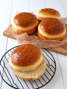 B Recipe, Cooking Bread, Dessert Recipes, Desserts, Japanese Food, Bread Recipes, Donuts, Catering, Bakery
