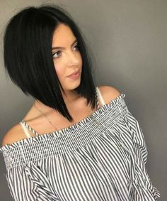 Frisuren Most Admiring Angled Bob Hairstyles 2019 to Fuel Your Imagination Wonderful Wedding Gift Id Inverted Bob Hairstyles, Medium Bob Hairstyles, Straight Hairstyles, Middle Hairstyles, Graduated Bob Haircuts, Spring Hairstyles, Black Hairstyles, Medium Hair Styles, Short Hair Styles