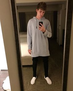 my baby love Blake Grey, Mirror Pic, Poses References, Magcon Boys, Mens Fashion, Fashion Outfits, My Boyfriend, Baby Love, Cute Boys