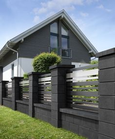 53 The Best Fence Design Ideas That You Can Try in - Amenagement Jardin Recup House Fence Design, Modern Fence Design, Garden Design, Modern Gates, Modern Minimalist House, Building A Fence, Front Yard Fence, Backyard Fences, Pergola