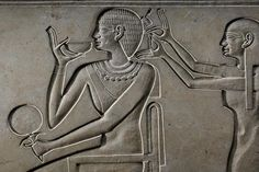 Queen Kawit, shown on her sarcophagus having her hair dressed, was one of the noble women believed to have been sent from Nubia to make diplomatic marriages with 11th dynasty pharaoh Mentuhotep II