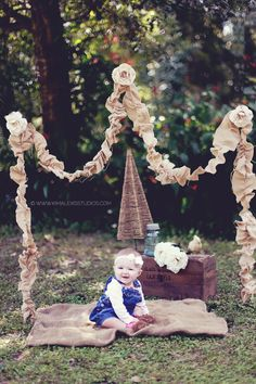 Here is the outcome of our props! Christmas Southern Chic Mini Series 2013 Photography Portraits. Family Portraits. St Augustine and Jacksonville Photographer. 6 Month Ideas. Burlap. Frame. Diy Frame. Diy Photography Props