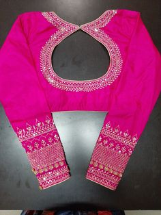 Salwar Designs, Lehenga Designs Simple, New Saree Blouse Designs, Simple Blouse Designs, Stylish Blouse Design, Bridal Blouse Designs, Designer Blouse Patterns, Zardosi Work Blouse, Sarees