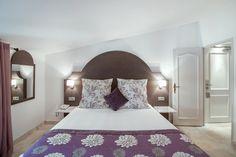 Photographie d'hôtellerie - Moulin de Vernegues | Chambre double Chateau Hotel, Architecture Classique, Le Moulin, Spa, Furniture, Collection, Home Decor, Double Room, Photography