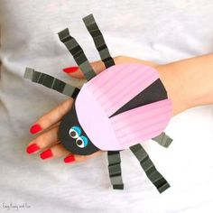 Beetle Paper Hand Puppet Template - Easy Peasy and Fun Insect Crafts, Bug Crafts, Craft Stick Crafts, Preschool Crafts, Paper Bag Puppets, Hand Puppets, Art Activities For Kids, Crafts For Kids, 1st Grade Crafts