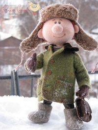 Авторские куклы Натальи Савиновой.Мальчик очень любит зимой играть в снежки.needle felting