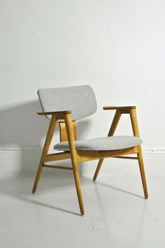 FB14 chairs, designed by Cees Braakman for UMS Pastoe. Beton Brut
