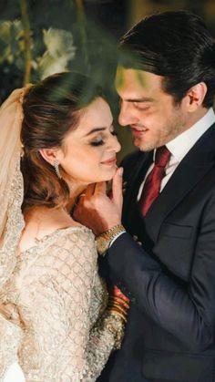 Pakistani Girl, Pakistani Wedding Dresses, Wedding Dresses For Girls, Pakistani Actress, Girls Dresses, Fancy Kurti, Beautiful Words Of Love, Designer Party Wear Dresses, Queen Fashion