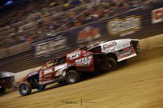 3 dirt modifieds in a hole big enough for 1. Note: None of them crashed https://racingnews.co/2016/12/17/2016-gateway-dirt-nationals-photography-saturday-dirt-modifieds/ #dirtmodifiedracing
