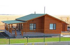 AHSB - AHŞAP EV MODEL B de Kuloğlu Orman Ürünleri Wood House Design, Small House Design, Rest House, House In The Woods, Style At Home, Wooden House Plans, Bungalow Haus Design, Bamboo House, Home Building Design