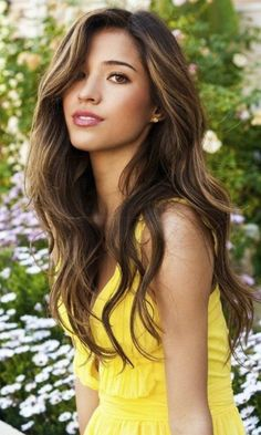 A wavy hair style for long hair usually looks good on most facial structures and can easily accentuate one's beauty.  Here, we present to you the top 10 Long hairstyles for wavy hair that you can gain inspiration from